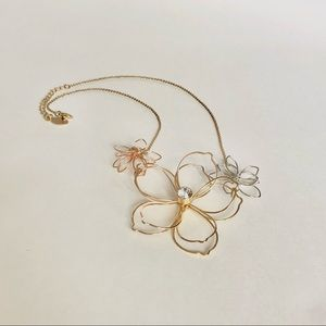 H&M Jewelry - Gold silver Floral necklace with zircon
